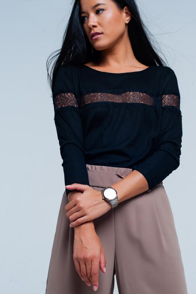 Camiseta negra manga 3/4 con detalle de encaje de puntilla