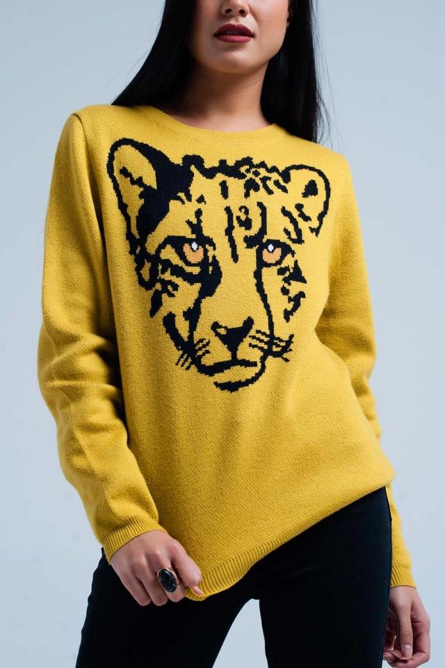 Sueter de punto de color mostaza con leopardo