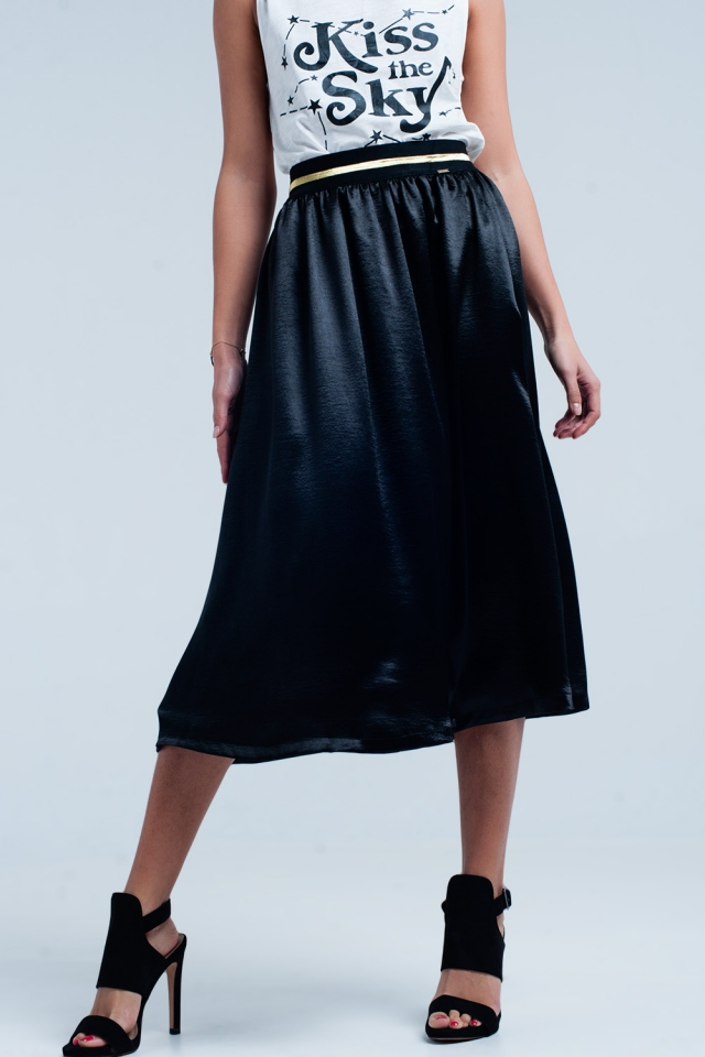 Falda midi satinada negra con cintura elástica