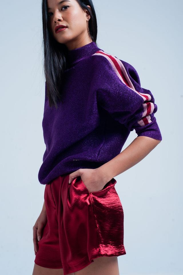 Suéter de cuello alto púrpura de brillo