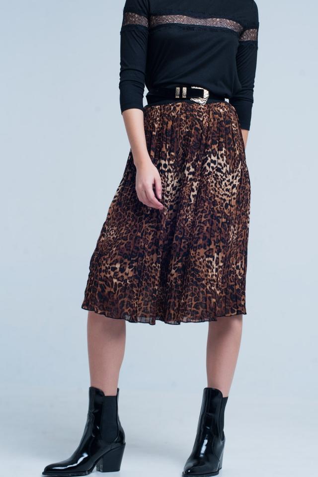 Falda midi plisada marrón en estampado de leopardo