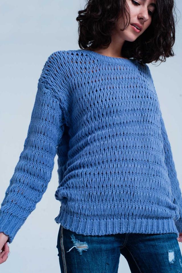 Suéter de punto en color azul cuello redondo