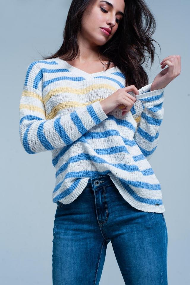Suéter crudo con cuello de pico rayas azules