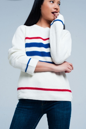 Suéter de punto beige a rayas azules y rojas