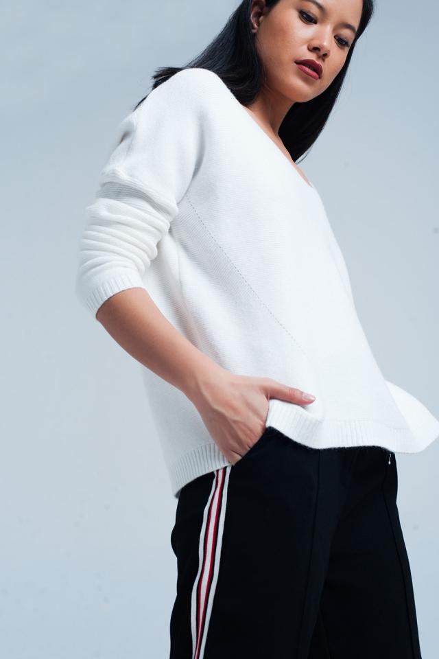 Suéter con escote de pico de punto suave en crudo