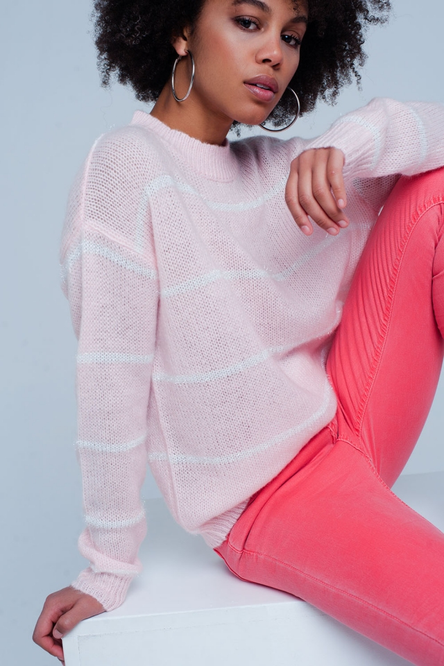 Jersey en rosa a rayas con cuello redondo