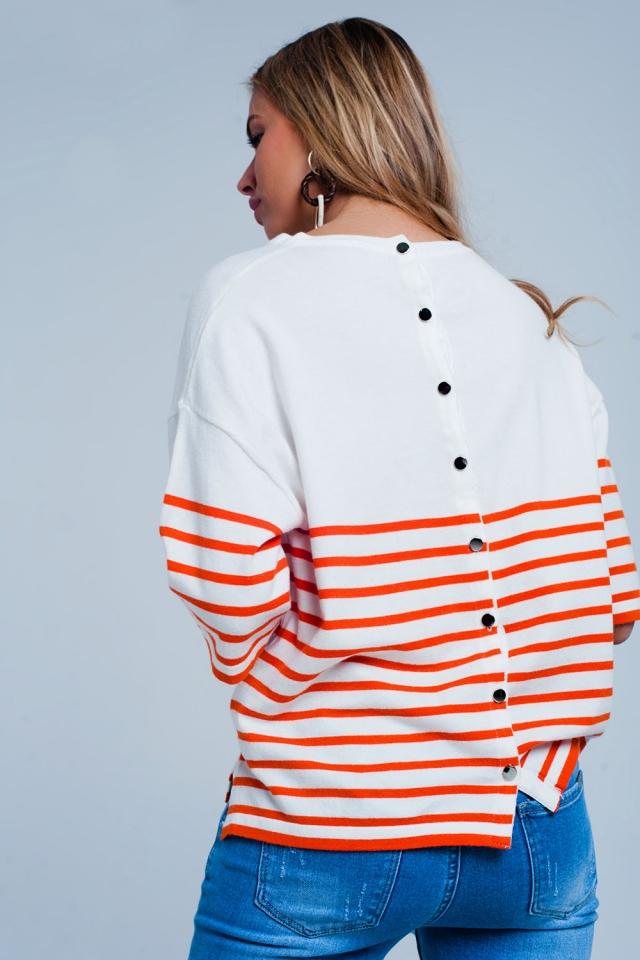 Jersey ligero con detalle de botones y rayas naranjas