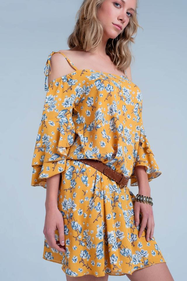 Mini Vestido amarillo de flores con hombros descubiertos