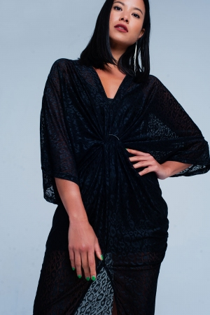 Vestido negro de encaje transparente