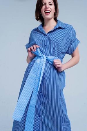 Vestido azul camisero con estampado de rayas y lazo a la cintura