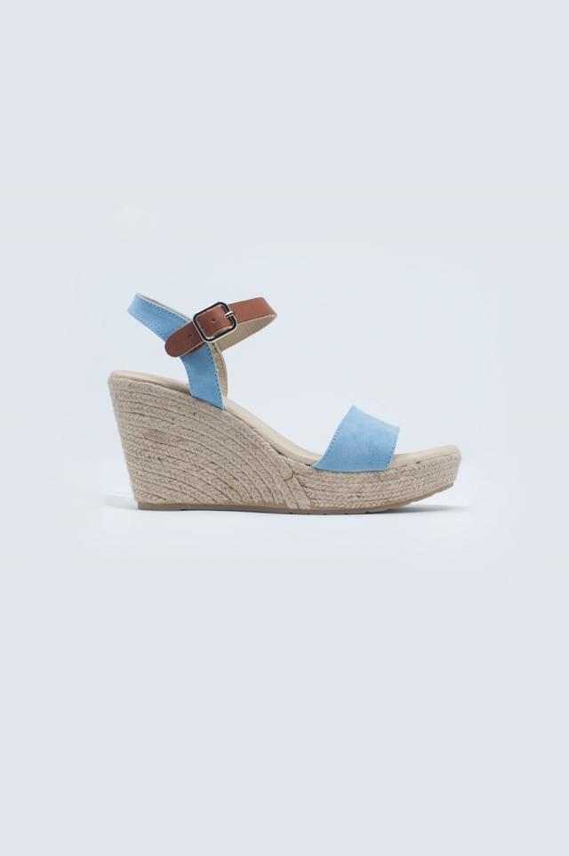 Sandalias tipo alpargatas en azul con hebilla