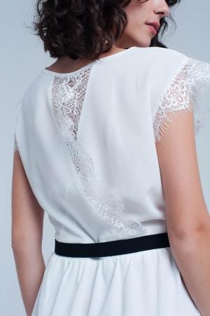 Vestido Blanco con escote en la espalda y detalle de puntilla