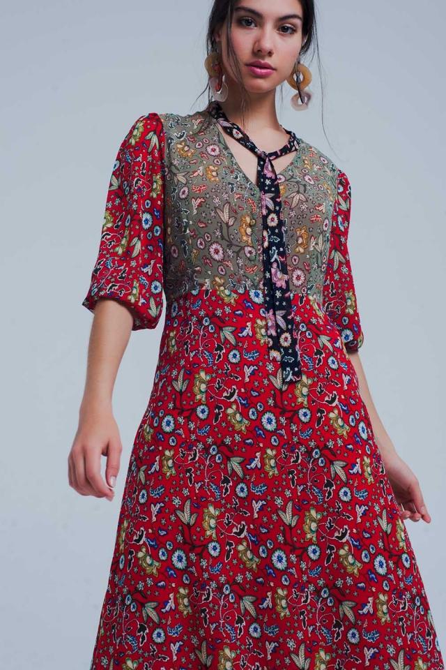 4375e867341 Nueva colección Vestido rojo midi con lazada en el cuello y estampado  combinado