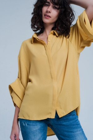 Camisa amarilla oversize con detalles de lurex