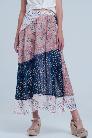 Falda azul larga de corte al bies con estampado de florecillas