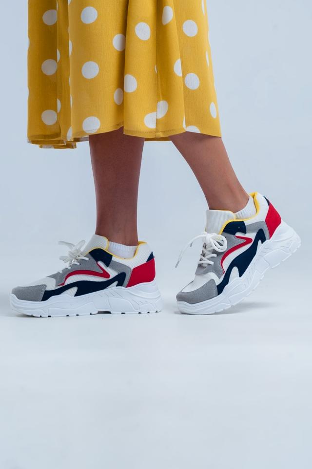 Zapatillas bajas con plataforma plana en blanco y colores múltiples