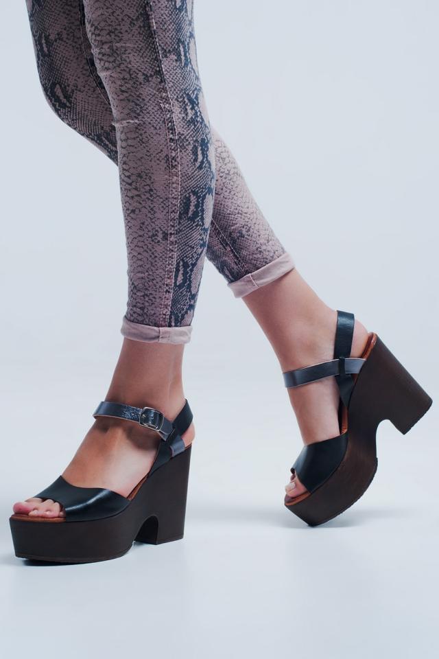 Sandalias negro con tira posterior y tacón cuadrado