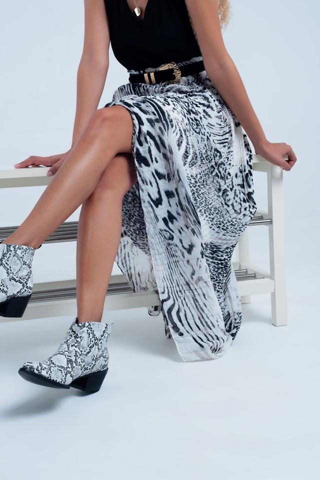 Falda plisada con estampado de leopardo