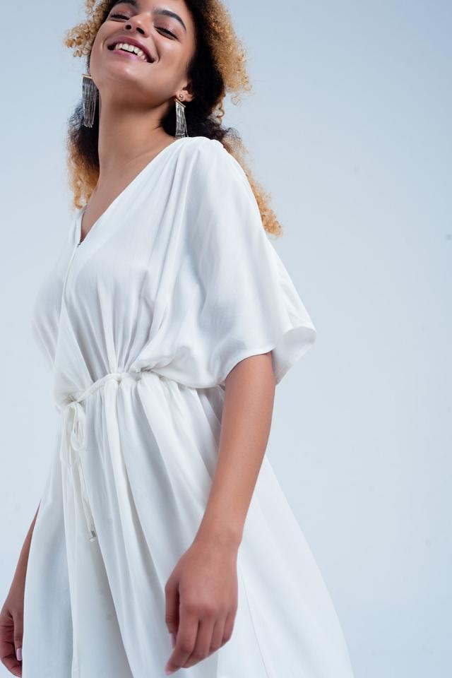 Vestido midi con cintura anudada en blanca