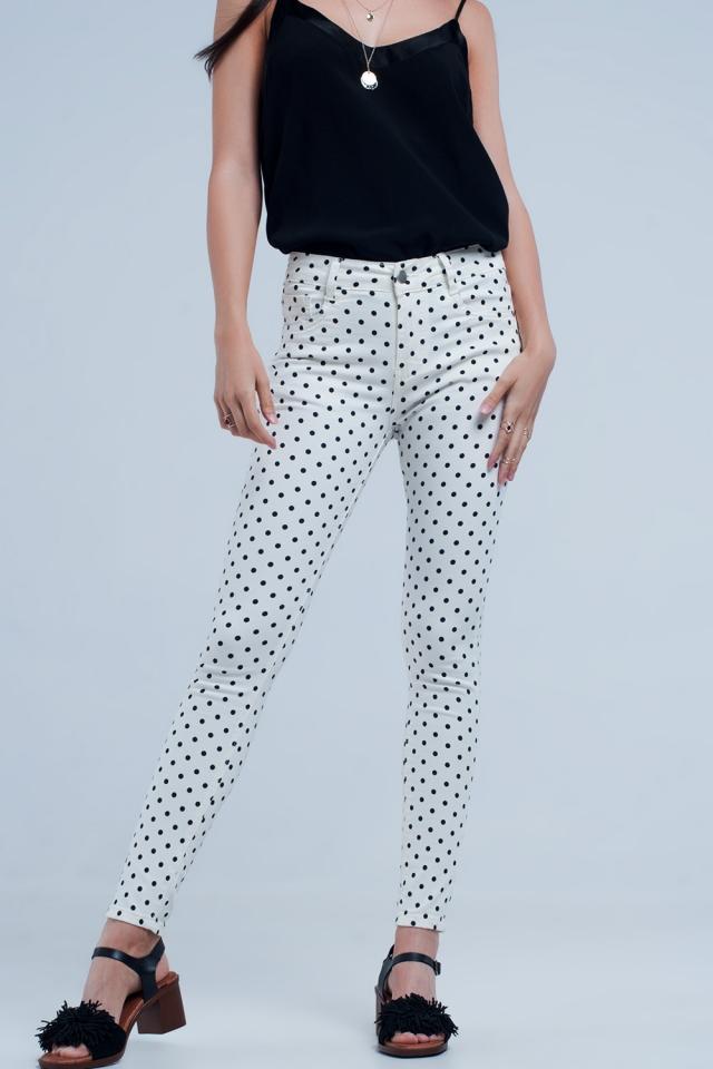 Jeans blancos con estampado de lunares