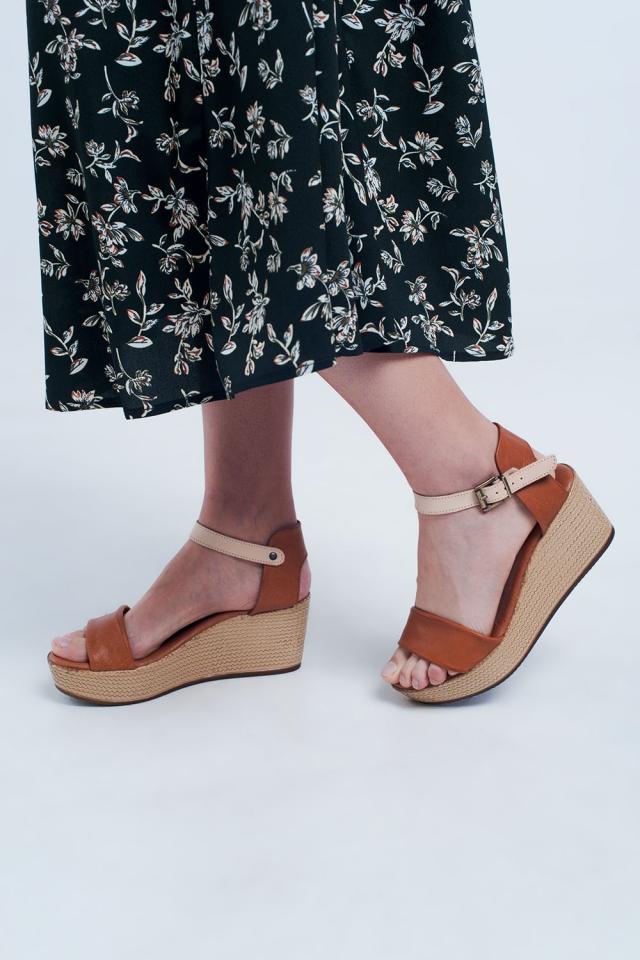 Sandalias de cuña estilo alpargata con tiras en camello
