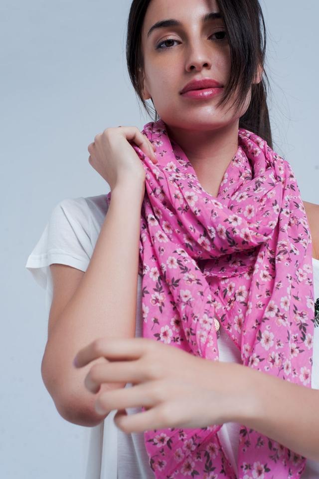 Pañuelo rosa con estampado floral