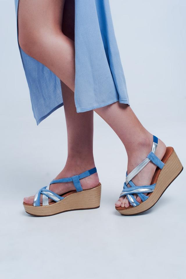 Sandalias de cuña azul con plataforma