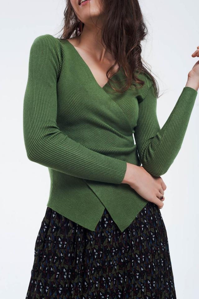 Jersey verde de canalé con cuello en V