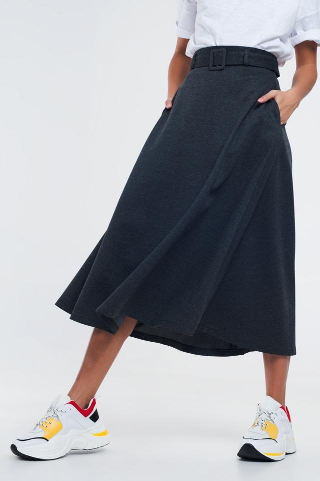 Falda midi gris con cinturón y bolsillos