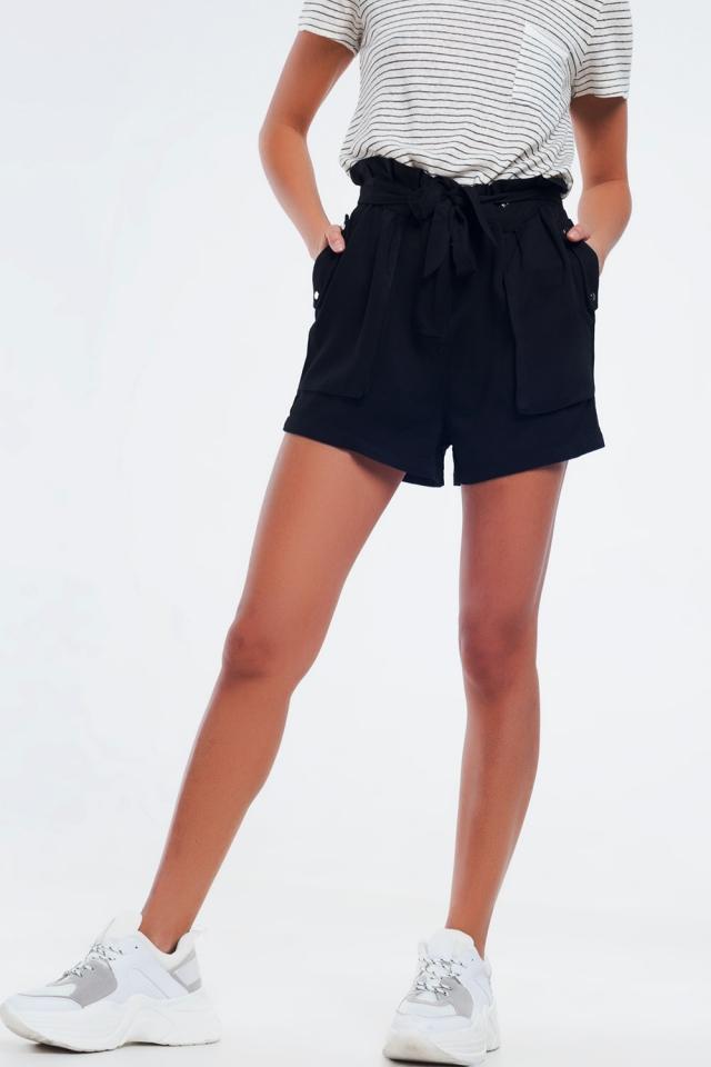 Pantalones cortos de sarga negro con cintura elástica y detalle de lazo