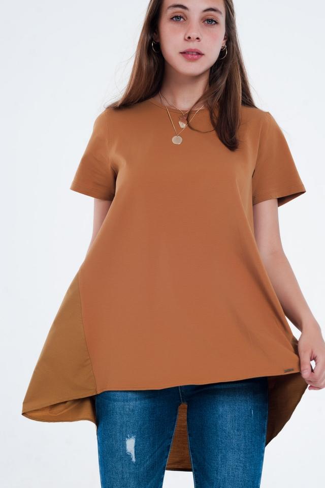 Vestido tipo camiseta en marron