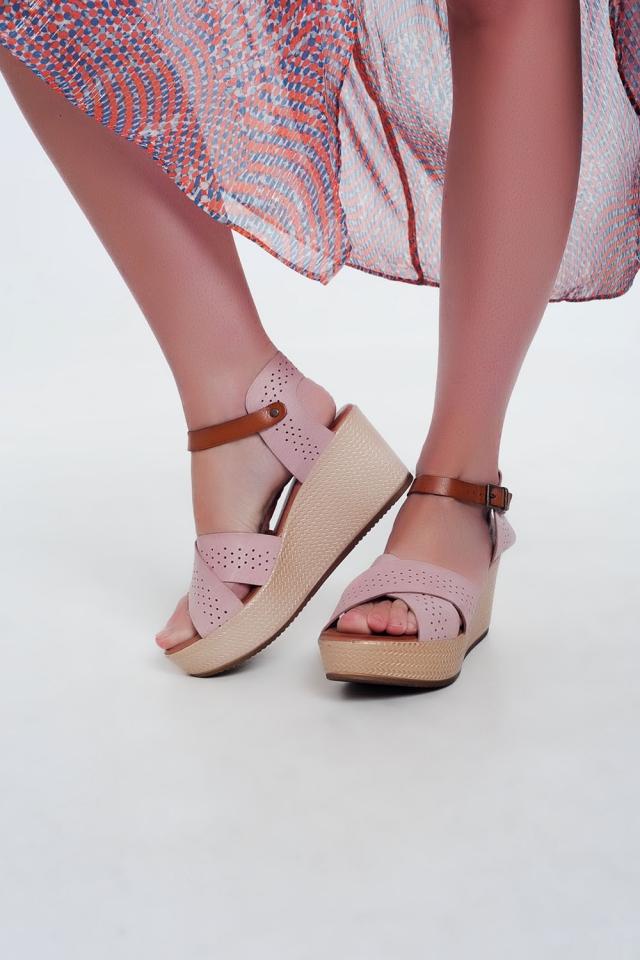 Sandalias estilo alpargata de cuña y cuero rosa