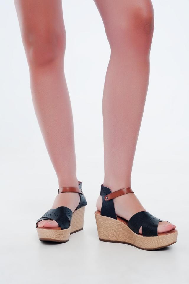 Sandalias estilo alpargata de cuña y cuero negro