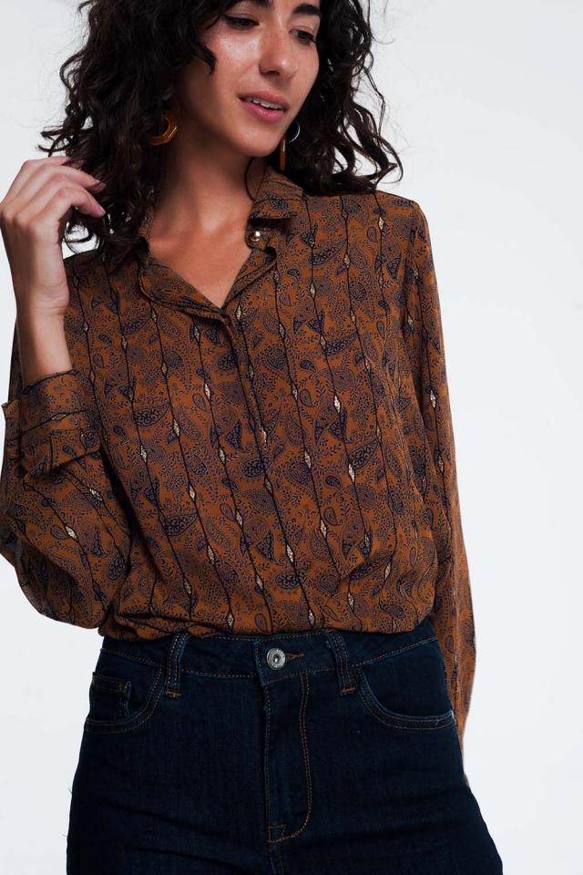Camisa en camel con diseño de jacquard de cachemir