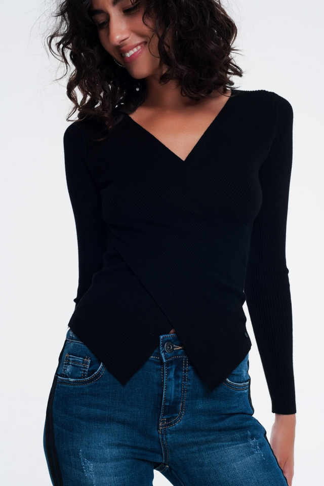 Jersey negro de canalé con cuello en V