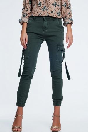 Pantalones cargo caqui de corte slim