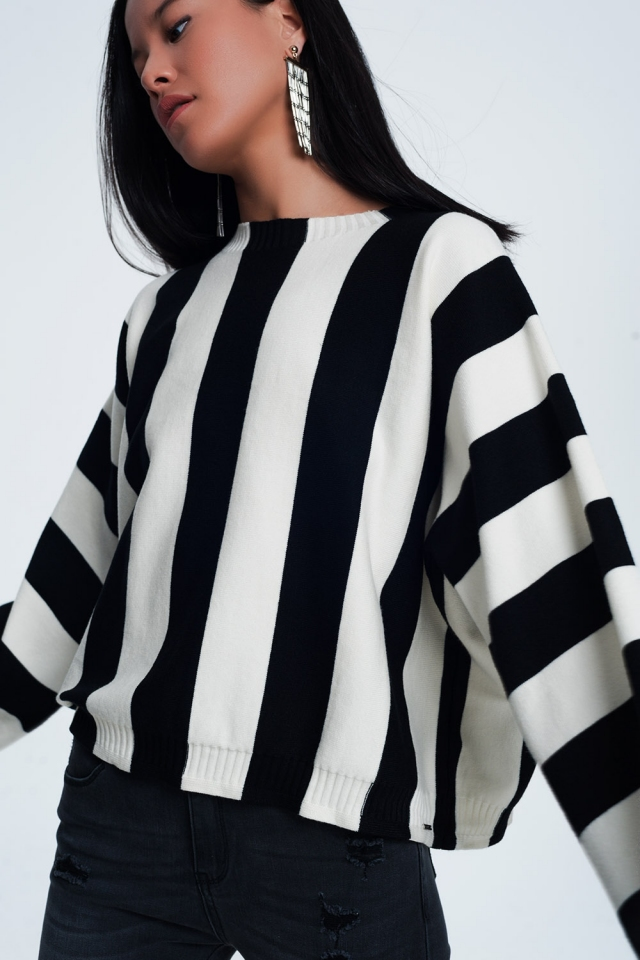 Jersey con cuello redondo a rayas monocromáticas negro