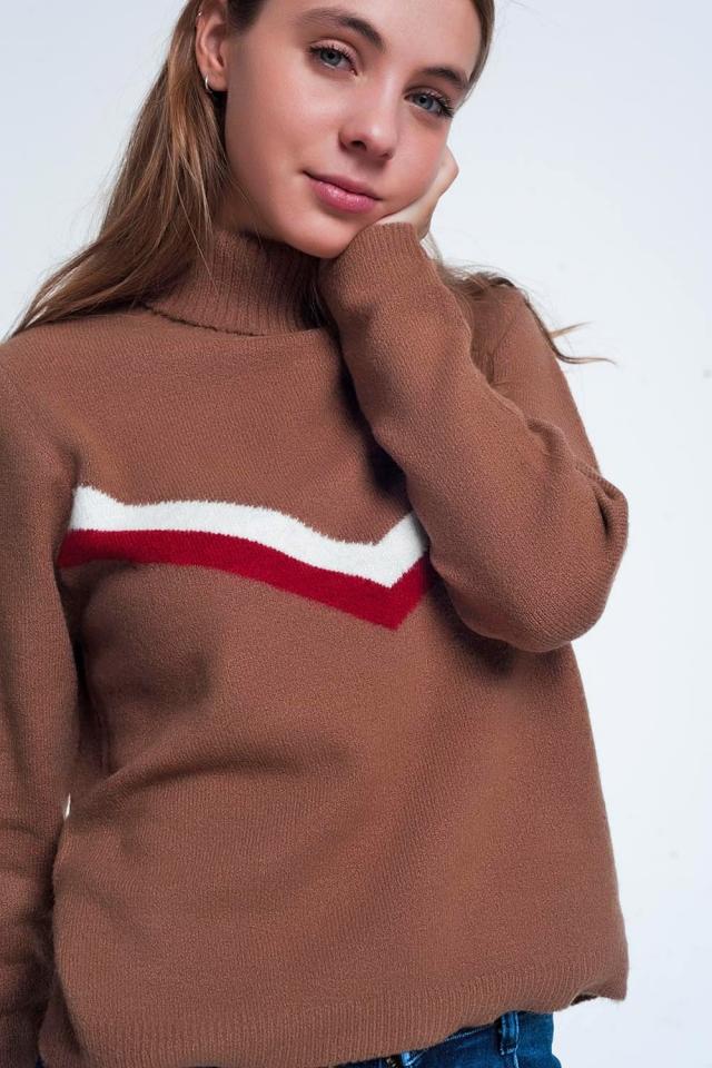 Jersey color marron con detalle de chevron