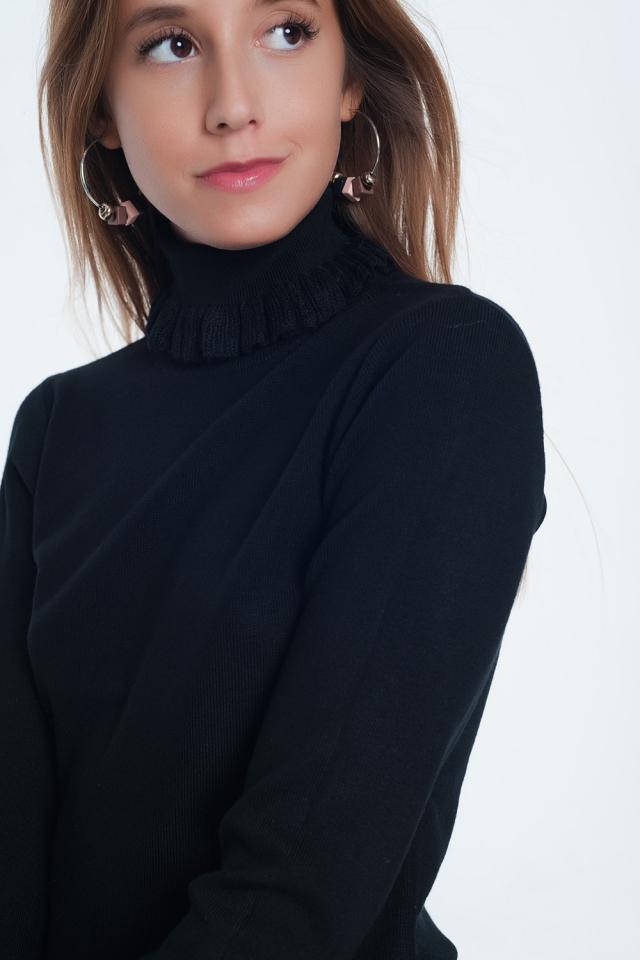 Jersey de corte slim de canalé con detalle de volante en negro