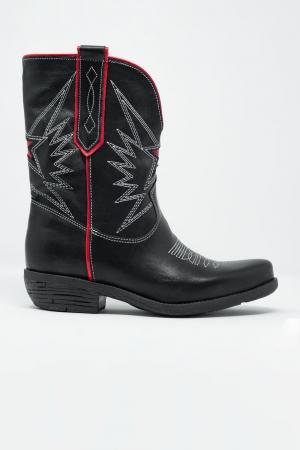 Botas estilo oeste de cuero en negro y rojo