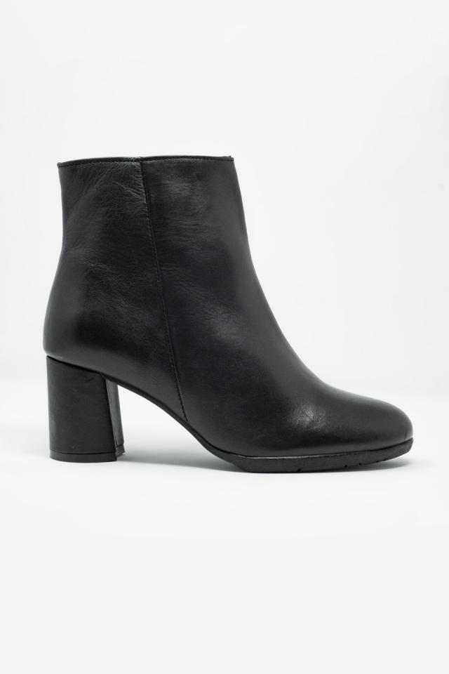 Botines de tacón medio en cuero negro