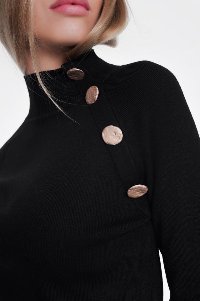 Jersey con cuello vuelto y botones dorados en tono negro