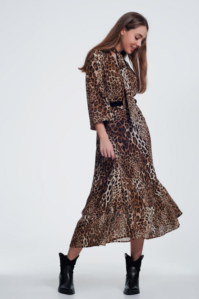 Vestido largo con estampado de leopardo y detalle de lazo en la parte delantera