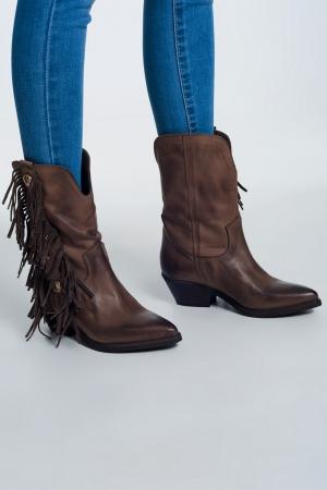 Botas estilo western con flecos en color beige