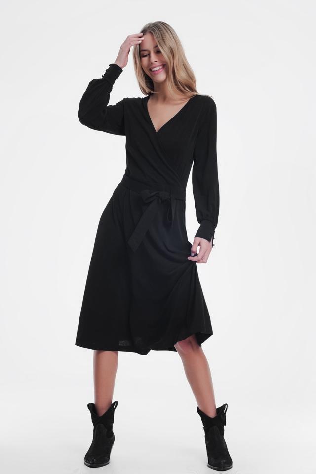 Vestido cruzado midi en color negro