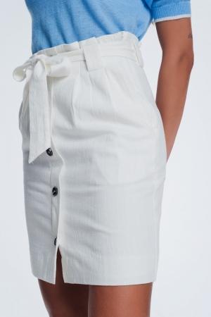 Falda mini con botones delanteros color blanco