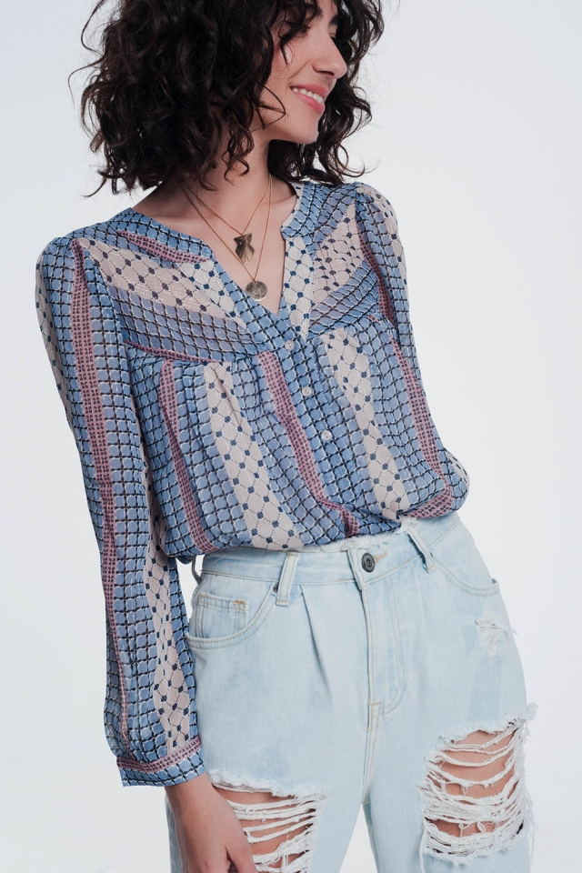 Blusa con botones cuello en V y estampado azul