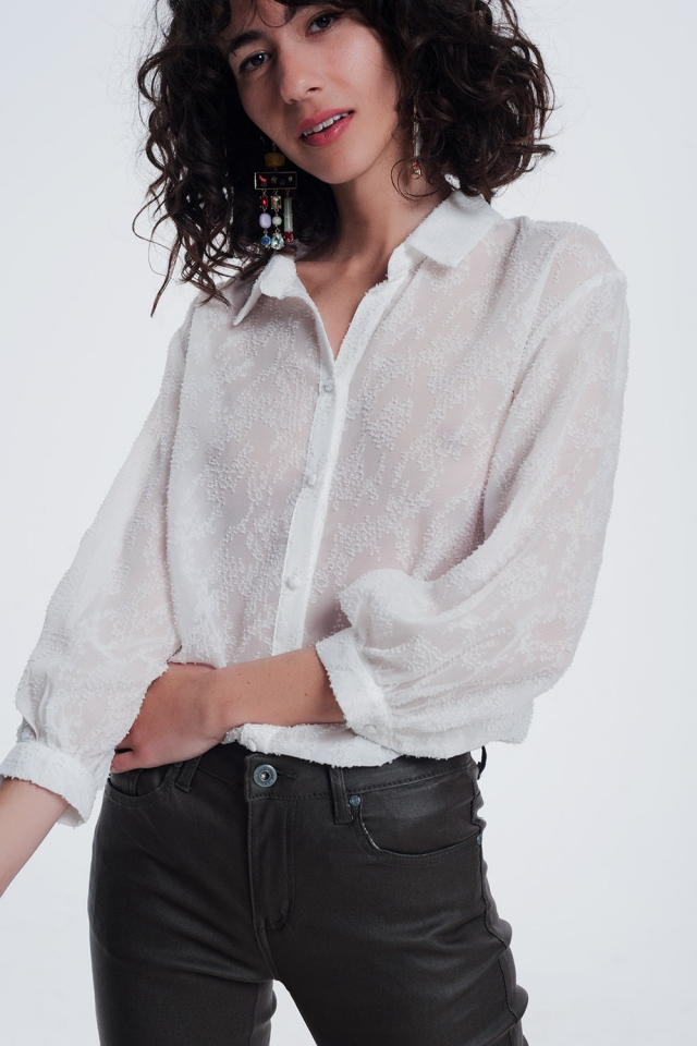 Blusa blanca de hilo texturizado