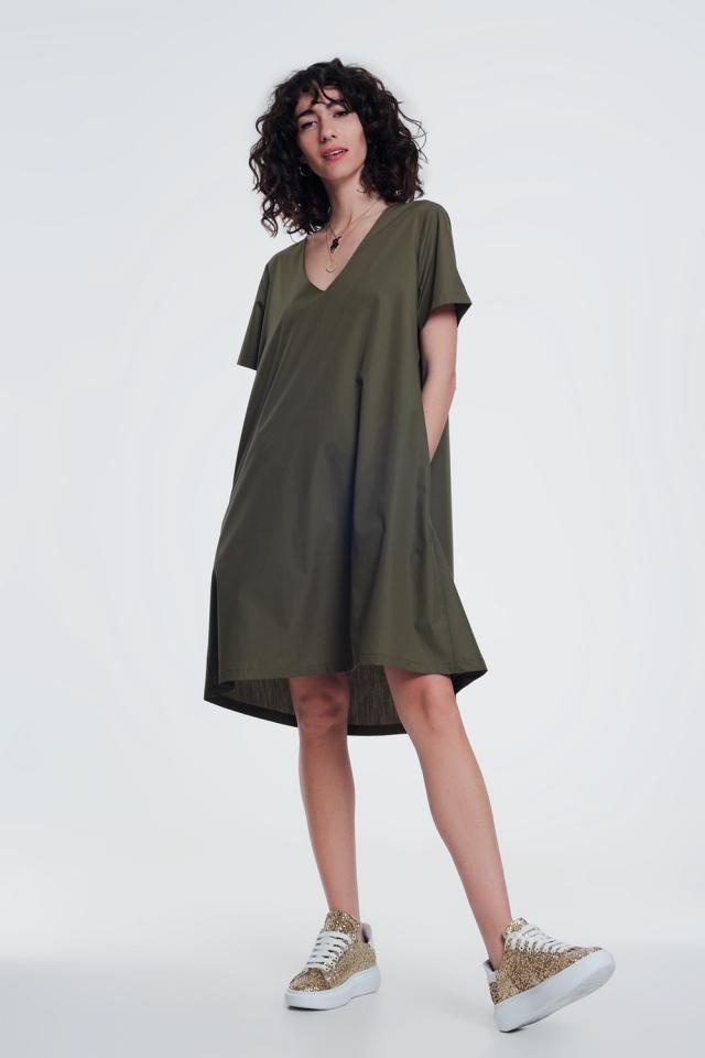 Vestido estilo túnica con detalle de bolsillo en color caqui
