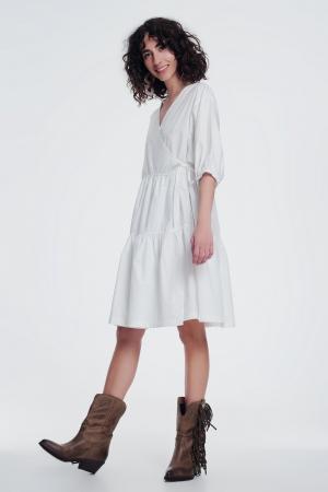 vestido ancho color crema con manga corta